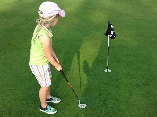 juniors' golf lessons