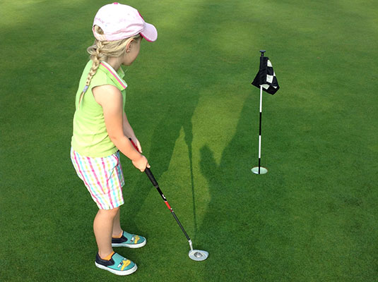 juniors' golf lessons